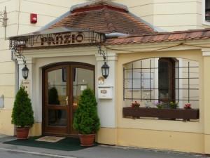 Gyula Panzió bejárat